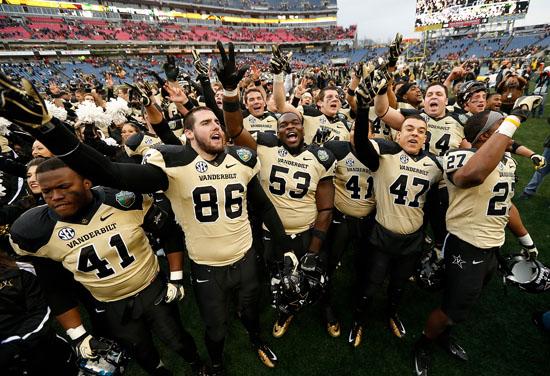 Dores Finish Ranked in the Top 25 – Vanderbilt University